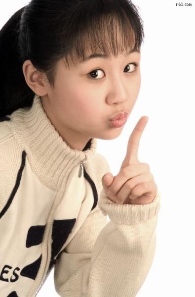 杨紫与男友车内热吻缠绵 - 寒雪 -               寒雪 欢迎您