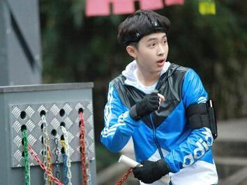 2014年9月13日,初次登上湖南卫视王牌综艺节目 快乐 ...