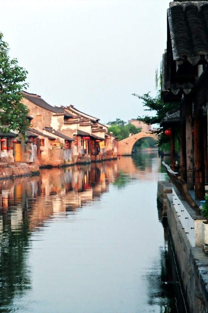 杭州西湖、西塘夜景、海宁皮革城二日游
