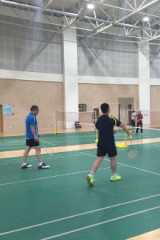 3月30日在新少年宫(阿尔泰游乐场对面,)打羽毛球