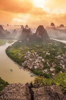 桂林山,漓江水,幻做行走里的眼中画