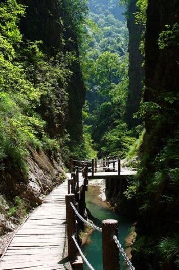 5月2—3日金丝大峡谷、漫川关古镇二日游