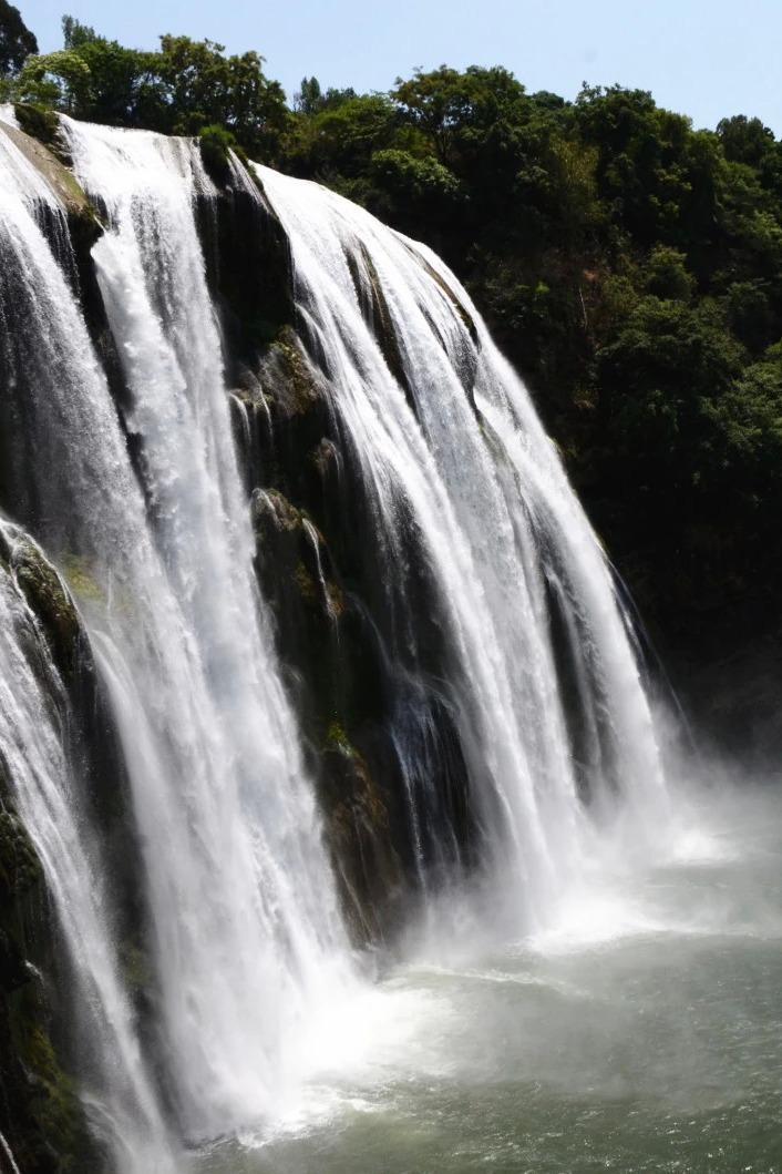黄果树瀑布—青岩古镇动车往返活动两期连发