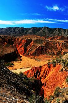 【君缘户外】11.13带您尽享努尔加峡谷的七彩幻境