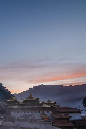 预期天天抱怨不如一起去九寨甘南旅行放松自己