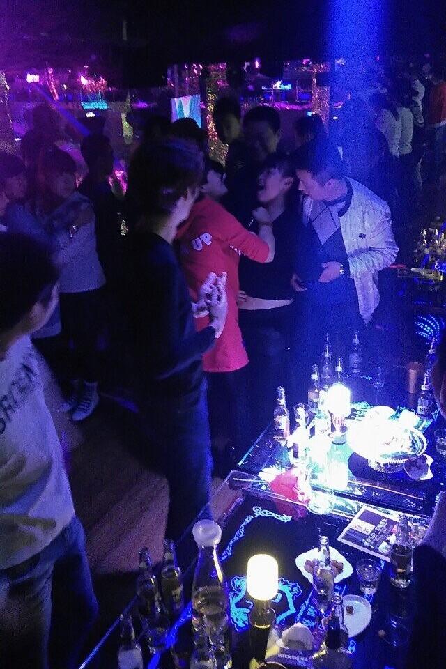 辽阳MIUMIU酒吧聚会