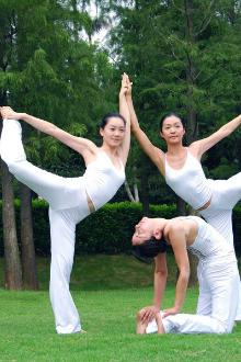 户外瑜伽+新玩法+男女皆宜