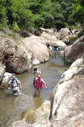 6月27一天活动 逍遥谷溯溪、男女一起泡潭子、避暑盛地