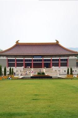 中国群团——参观南京博物院