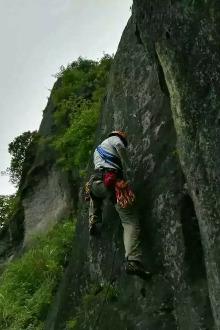 岩友活动第一站—石狗洞