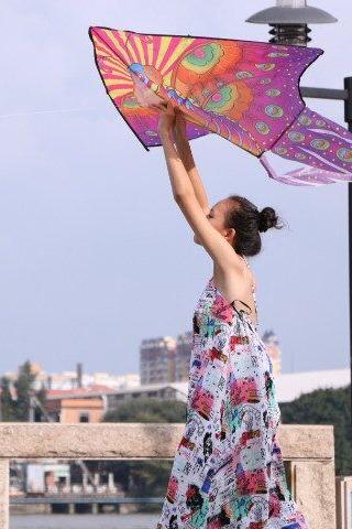 10.31 插上梦的翅膀 写上温馨的话语 放飞天空 放风筝活动