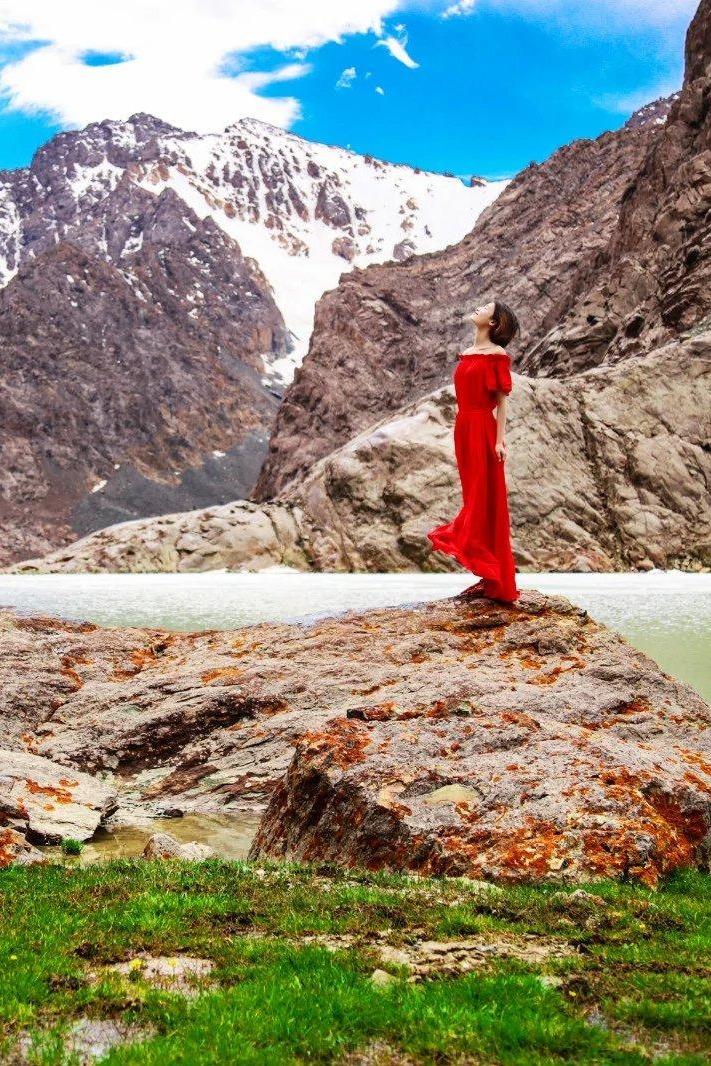 一场心与大自然的交流——新疆博格达徒步探险