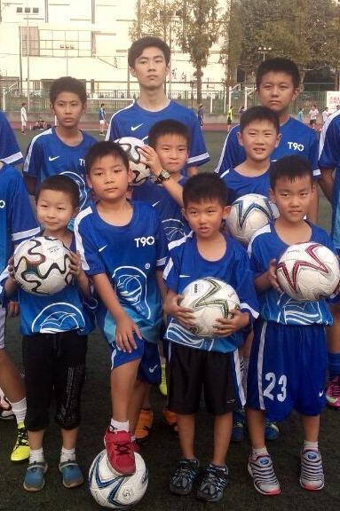 9月26日(周六)足球免费体验课3点-5点清凉山河海大学