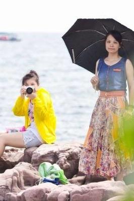 帅哥美女浪漫相约江山半岛风景区