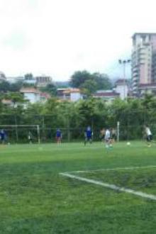 中秋早上一起踢足球