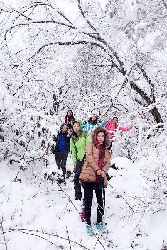 1月2日都江堰龙池堆雪人 打雪仗 看雪景徒步游