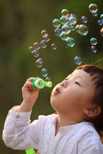【童年拾忆】之《肆》——吹泡泡&吹叶子!