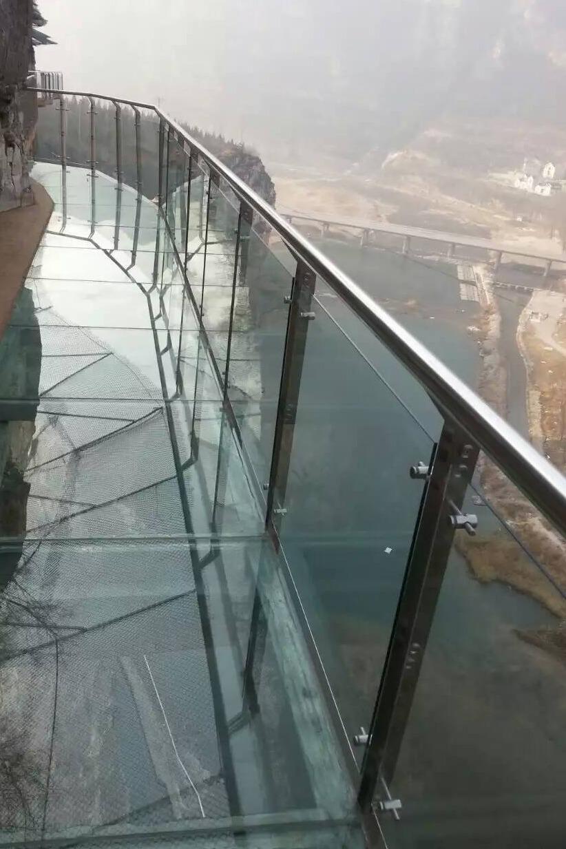 3月12日 首发《龙湖湾》全景玻璃栈道等你来挑战!