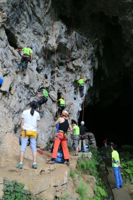 8月18日,周二官庄蜘蛛洞野外攀岩