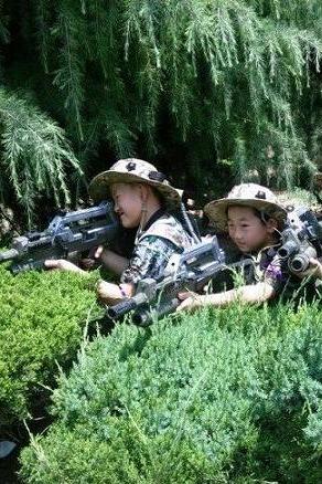 10月31号爱国主义教育军事拓展训练