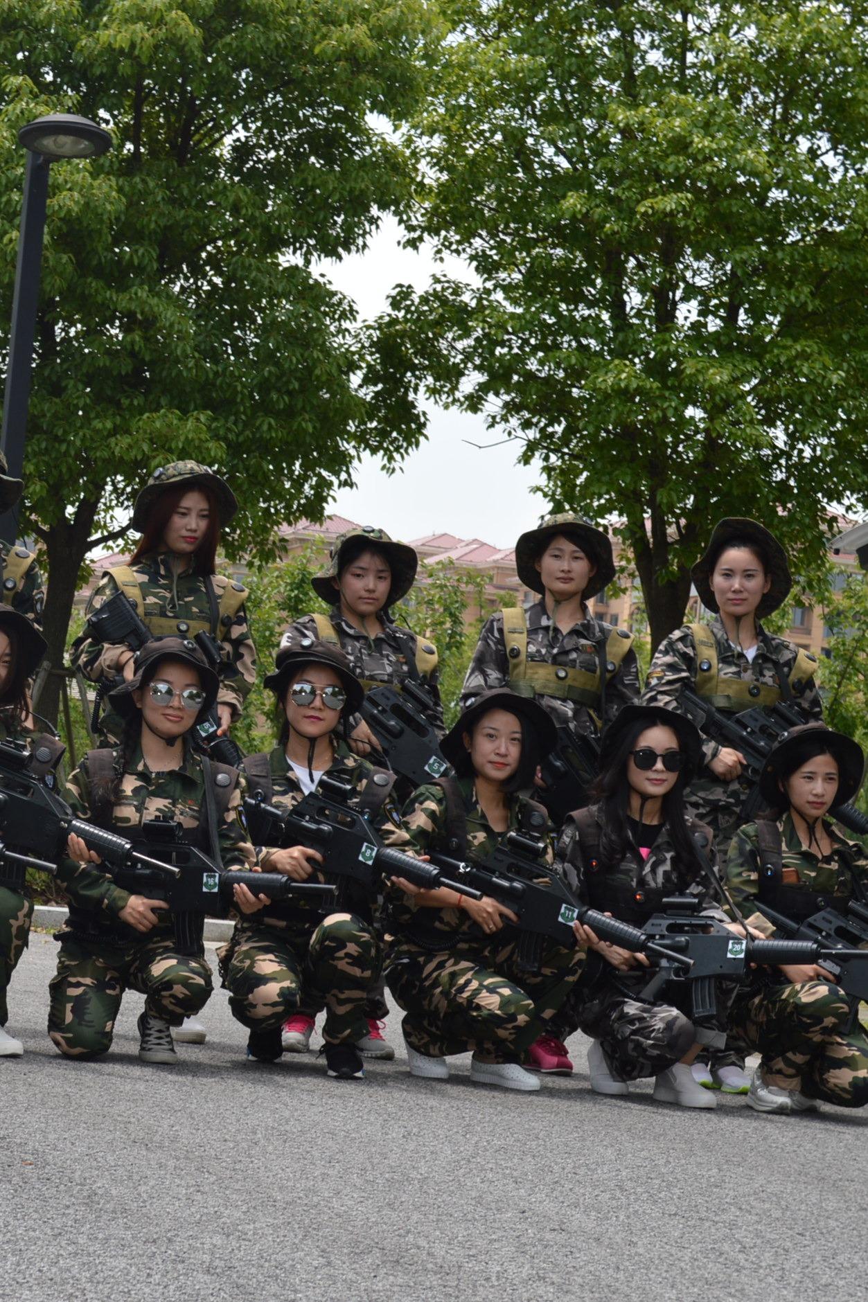 8月21日吴江五星农场丰隆园真人CS之美女特种训练
