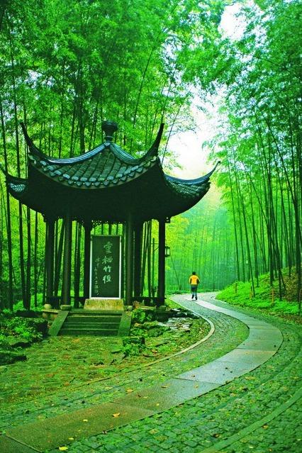 不一样的杭州 11.01 西湖五云山徒步  之江大学穿越回民国