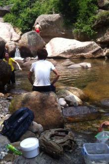 磨溪溯溪-玩水-捞鱼活动