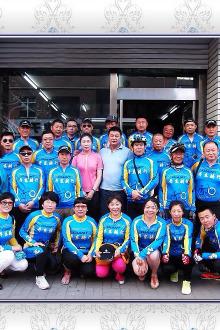 8月8日丹骑参加庆祝凤城追风俱乐部入驻美力达店活动