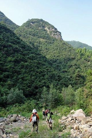 穿越魔鬼十字峡谷,探秘龙须瀑布,体验真正的户外