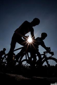 骑乐无穷-骑单车健身运动2015年第二期