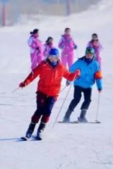 浪漫冬日 激情滑雪