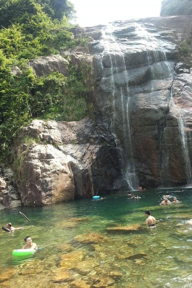 2015年8月2号周日,清远观音山大峡谷溯溪游泳赏瀑布
