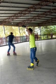 新区公园溜冰
