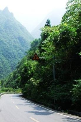 带上心爱的人去山里自驾游/静享夏日山水清凉