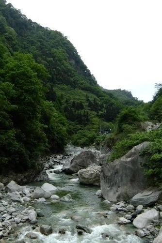 平武小河沟游三玩水  住白马藏族区