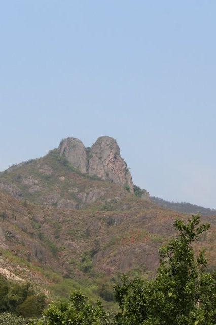 4月26日乌石山脊背环线穿越,看满山杜鹃花开