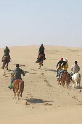 4月4日满斗沙漠骑马穿越一日游