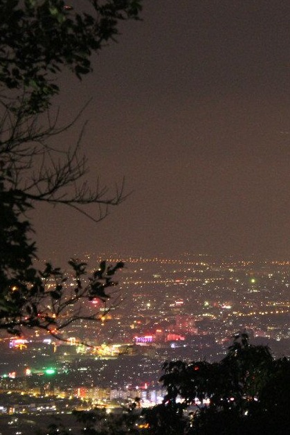 逃跑新线路  8.19 周三 19:00  夜登白云山  看广州最美夜景