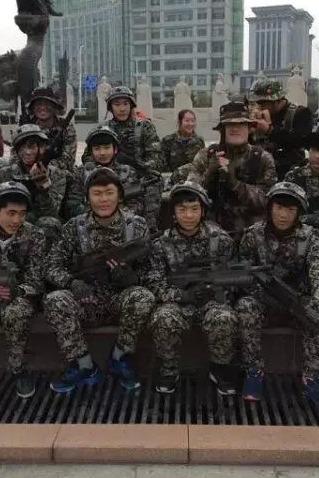 薛城凤鸣湖举行大型的真人CS