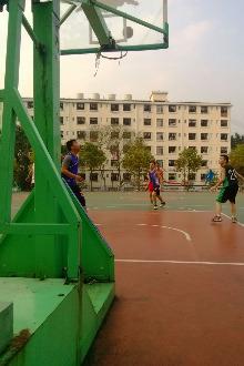 星期六早上一起打篮球!3v3或4v4