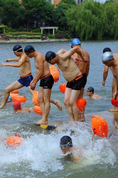 平湖泳协水上救生志愿者招募活动