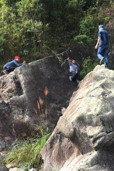 12月18日(星期日)偷袭大鹿湖坑溯溪上七娘山顶