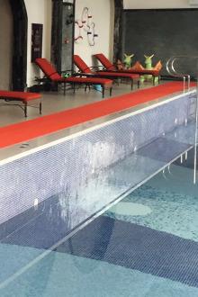 碧桂园林湖郡室内泳池免费游泳