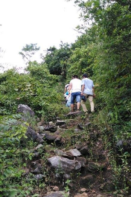 12月6日周二早上徒步爬老人山吸氧、观景、锻炼
