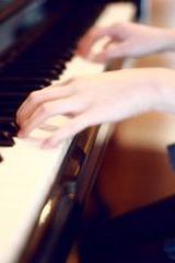 来弹钢琴吧!