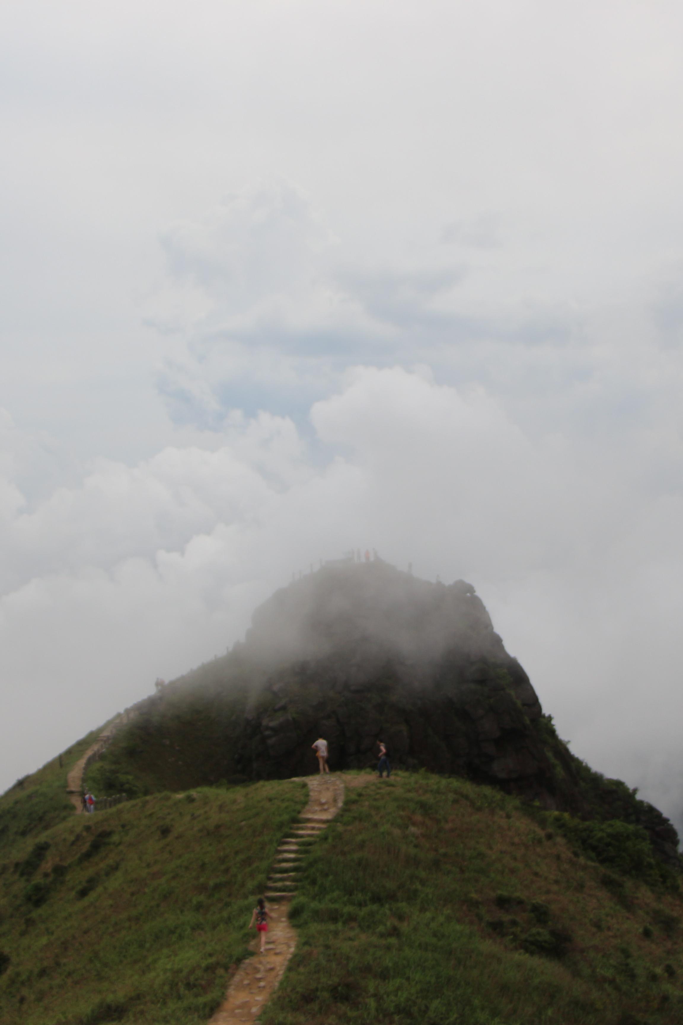 七娘山穿越,观赏山海之间的云层变化,享受山野乐趣