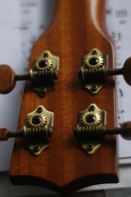 致匠心 | 小吉他尤克里里体验教学,用音乐叫醒灵魂