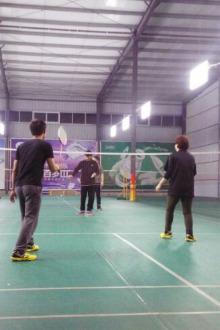 金翎球馆打球
