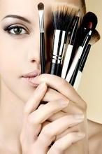 《艺术化妆师》免费培训、考证第12期(需社保)