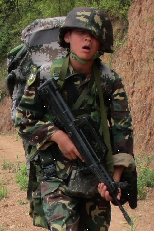 苍溪猎人青少年暑假军事夏令营